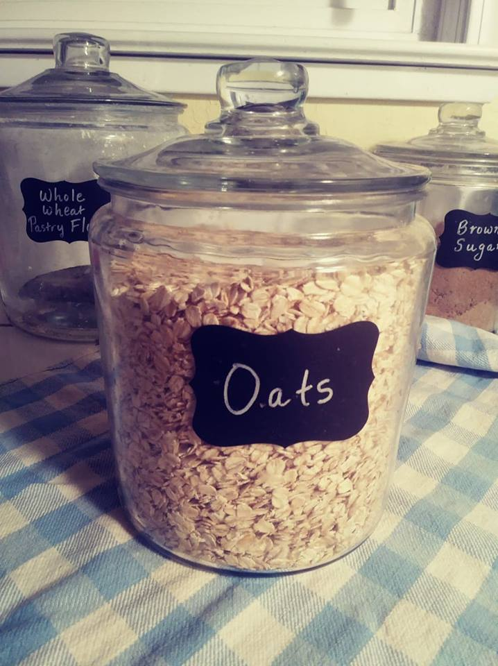 This image has an empty alt attribute; its file name is oats.jpg