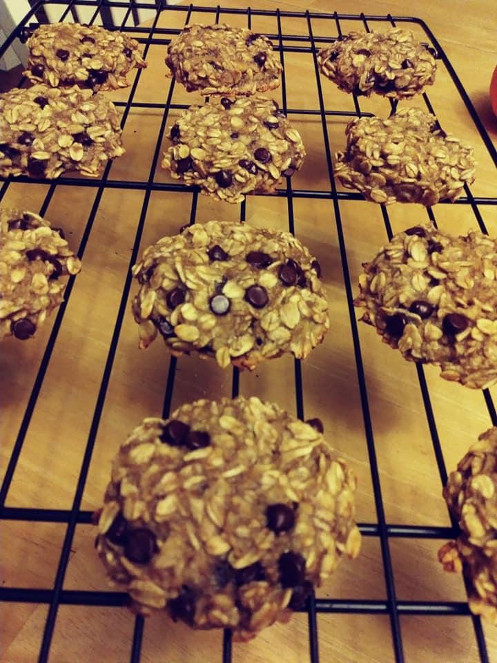 Banana oat cookies chocolate chips