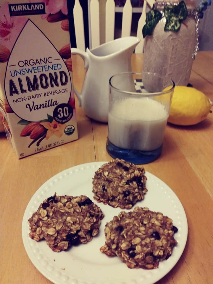 banana-oat-cookies-with- almondmilk
