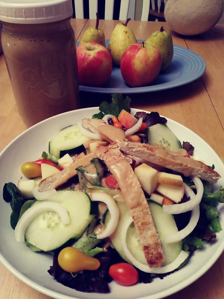 Caesar salad with chik'n
