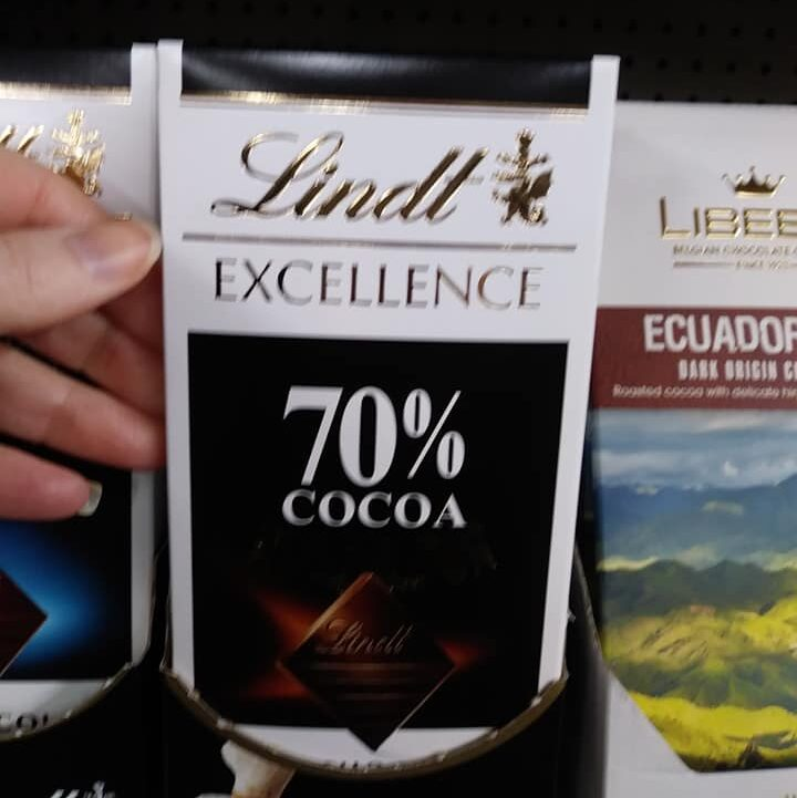 Lindt 70% dark chocolate bar